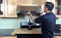 Руководство по установке вытяжки на кухне: это совсем не сложно