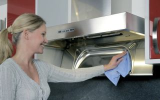 Чистим кухонную вытяжку в квартире самостоятельно