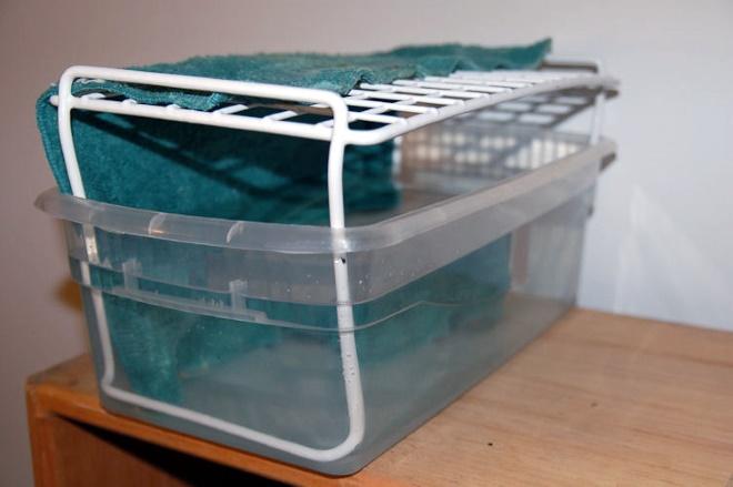 Самодельный увлажнитель из емкости с водой