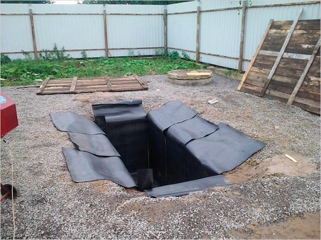 Овощная яма на открытом воздухе